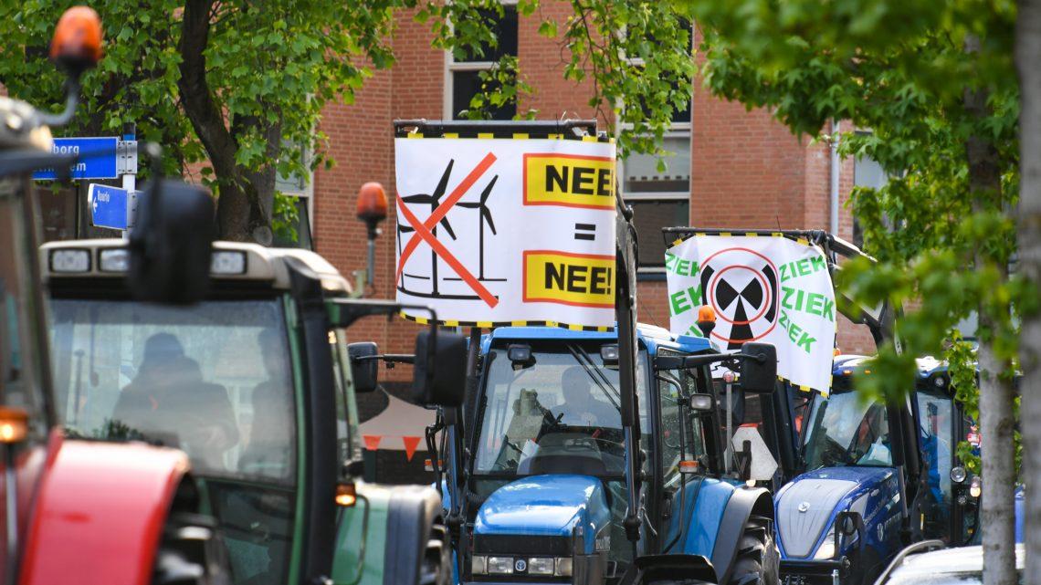 Stille Tocht tegen plaatsing mega turbines in Bronckhorst. Nee = Nee